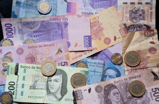 Before You Travel To Mexico Make Sure Have Some Pesos On For Your Trip Also A Plan Exchanging Dollars Into Once Arrive