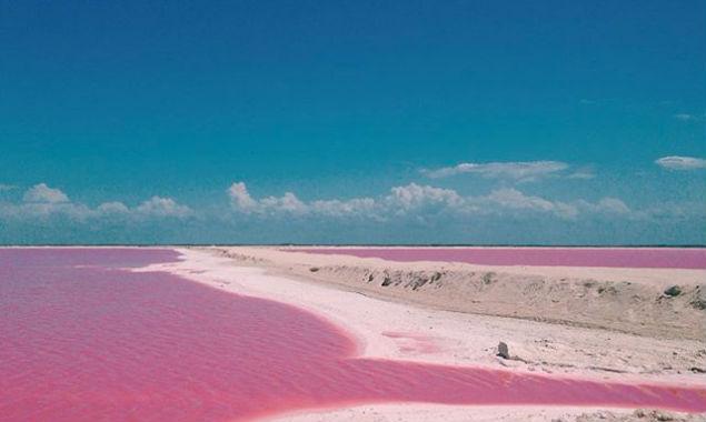 Lago Rosa en Las Coloradas, Yucatán