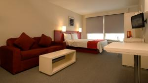 Superior, 1 queen size bed and 1 sofa bed