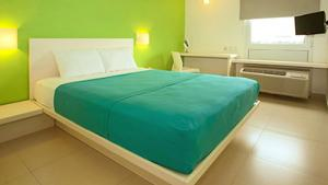 Single, 1 queen size bed