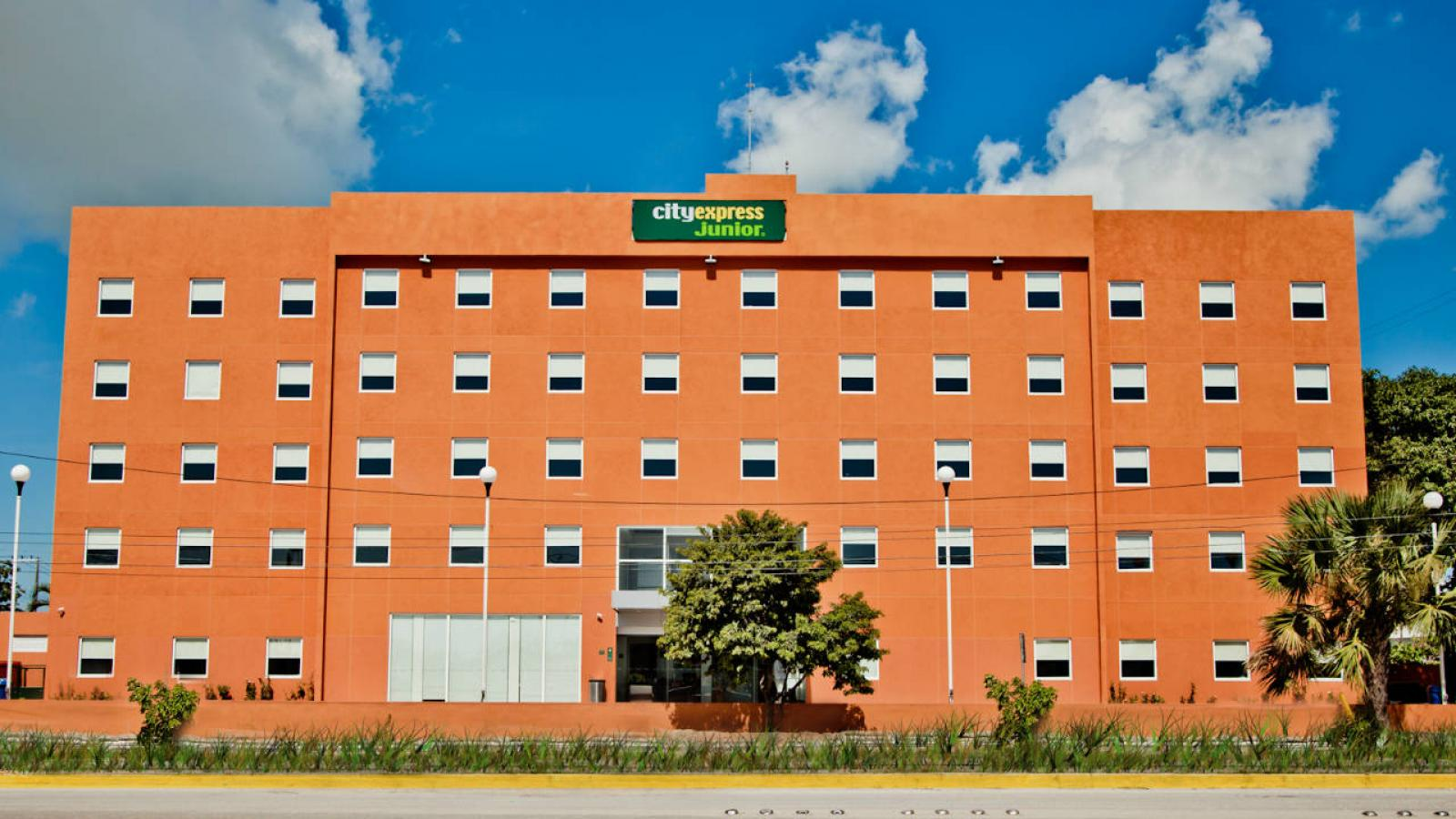 ciudad del carmen dating site Located less than a mile from the ciudad del carmen airport (cme), our courtyard is one of the most convenient hotels in the area view an area map here.